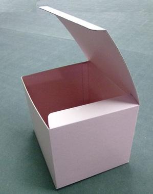 両面ピンクの箱